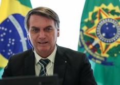Bolsonaro veta aumento para servidores até o fim de 2021 e sanciona socorro a estados