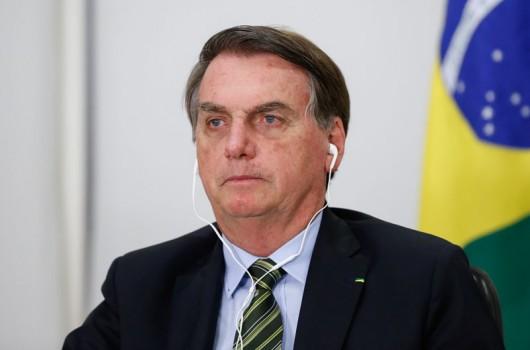 Bolsonaro diz não poder mais socorrer Estados e insiste na reabertura da economia