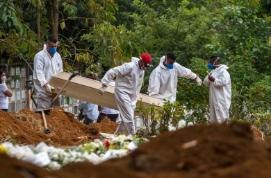 Brasil registra 1.039 novas mortes por coronavírus; total passa de 24 mil