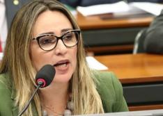 """Rejane Dias quer garantir o adiamento do ENEM: """"questão de justiça"""""""