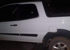 Bandidos abandonam veículo na BR-020 após assalto