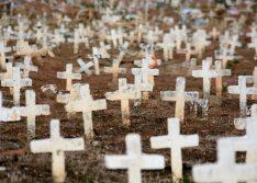 Brasil registra mais de 1.300 mortes por coronavírus em 24 horas, novo recorde