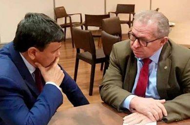 WDias decreto luto oficial de três dias após morte de Assis Carvalho