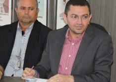 Padre Walmir Lima exonera ouvidor do município