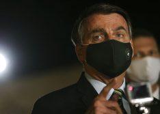 Bolsonaro sanciona lei que torna obrigatório o uso de máscara
