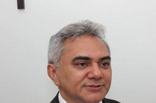 Prefeito Pe. Walmir exonera ex-vereador José Venâncio