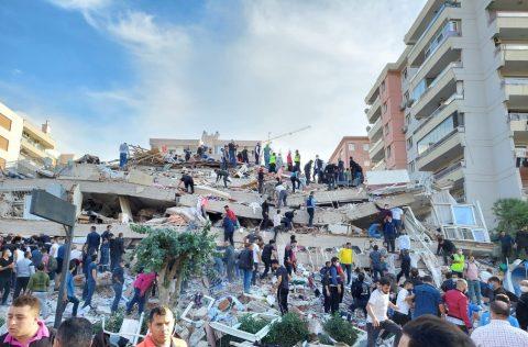 Terremoto no mar Egeu deixa mortos e mais de 100 feridos