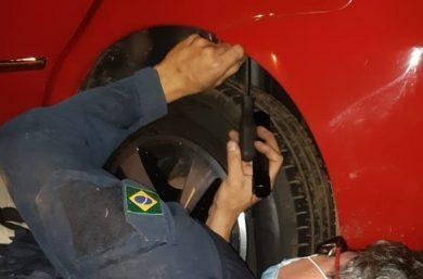 Polícia encontra R$ 54 mil em para-choque de carro e condutor é preso no Piauí