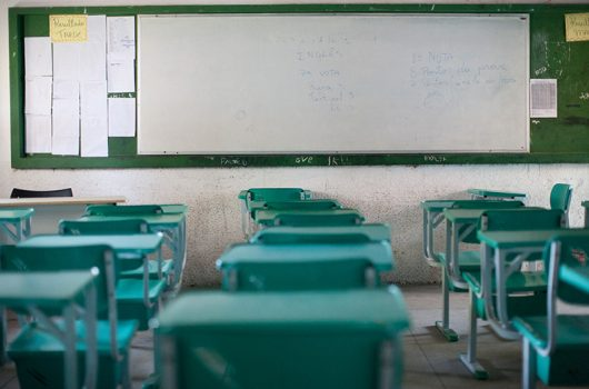 Justiça volta a suspender volta às aulas de alunos do 3º ano e pré-Enem