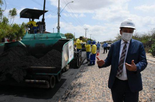 Wellington Dias vai asfaltar várias ruas de Picos
