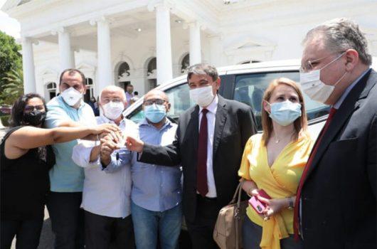 Governador entrega nove veículos para reforçar a saúde no Piauí