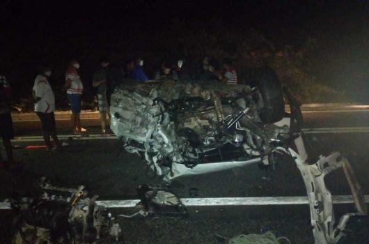 Colisão frontal envolvendo dois veículos deixa um morto e quatro feridos na BR-407