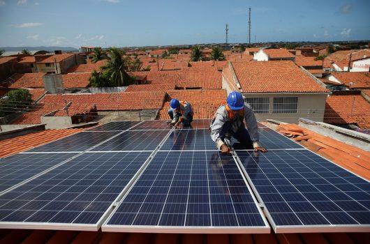 Governo do Piauí sanciona lei de incentivo à aquisição de energia solar por servidores públicos