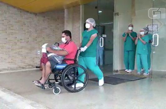 Mais três pacientes de Manaus recebem alta no PI