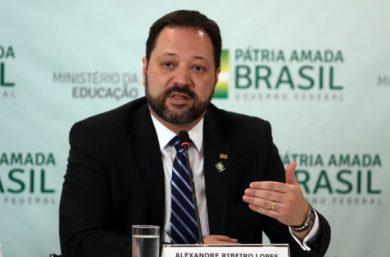 Responsável pelo Enem,presidente do Inep Alexandre Ribeiro é exonerado