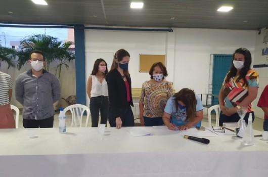 Faculdade R.Sá firma convênio com a escola Professora Ricardina de Castro Neiva