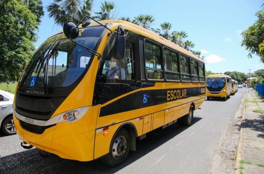 Piauí receberá nesta segunda-feira 32 ônibus escolares