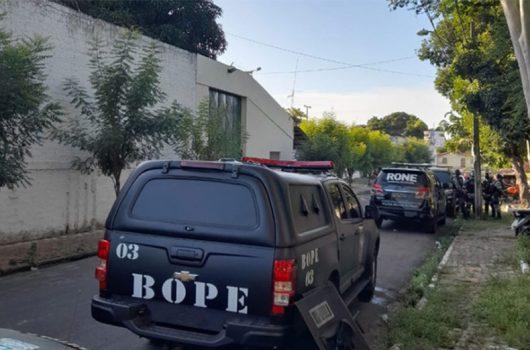 Rebelião no CEM destruiu 80% das alas de alojamentos; 20 continuam foragidos
