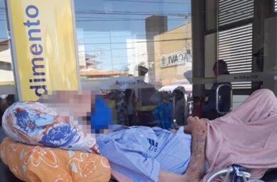 Idoso de 80 anos que foi de maca ao banco fazer prova de vida morre no Piauí