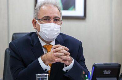 Ministro Queiroga ameaça cancelar aquisição da Sputnik V e governador reage