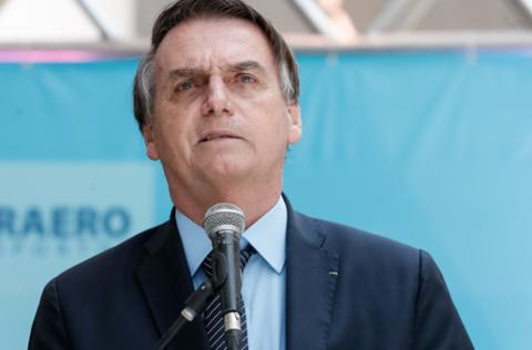 Bolsonaro veta projeto que facilitava acesso a remédios contra câncer