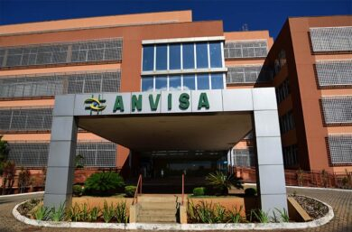 Anvisa aprova remédio de artrite e dermatite no tratamento contra a covid-19