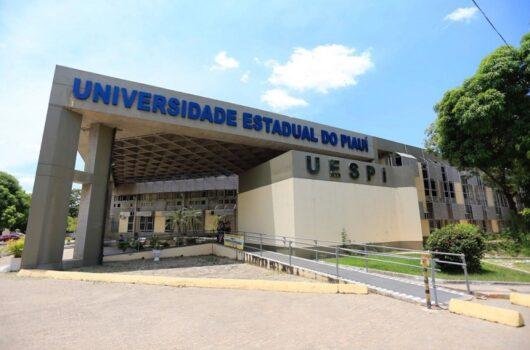 Uespi abre inscrições com 90 vagas para professor; veja cursos