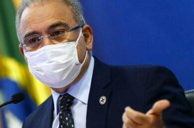 Ministério recua e tira adolescentes sem comorbidades da lista de vacinação contra a Covid-19