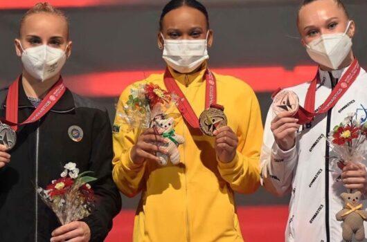 Rebeca Andrade conquista ouro e prata no Mundial de Ginástica