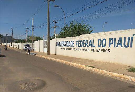Picos: UFPI abre edital para contratação de professores substitutos com salários de até R$ 5,8 mil